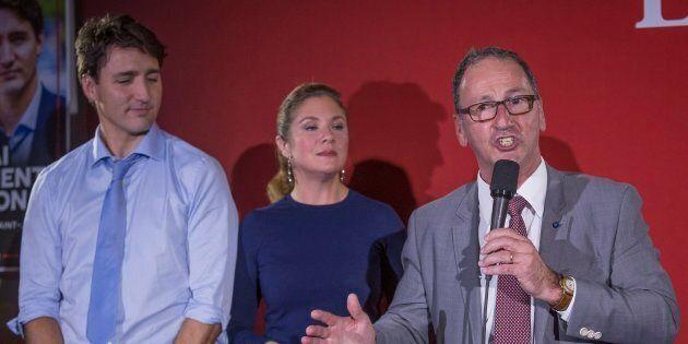 Richard Hébert (droite) en compagnie de Justin Trudeau et Sophie