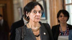 La ministre de Santis s'offre une formation pour répondre aux
