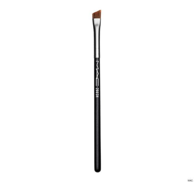 5 pinceaux à maquillage essentiels pour une trousse beauté