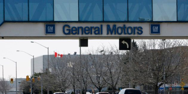 A view of the General Motors of Canada assembly plant in Oshawa March 31, 2009. Canada joined the tough talk of the Obama administration about the auto industry on Monday, saying no car maker is too big to fail, but it  nonetheless offered billions of dollars in bridge financing to the Canadian units of General Motors Corp and Chrysler.  REUTERS/Mike Cassese   (CANADA TRANSPORT BUSINESS)