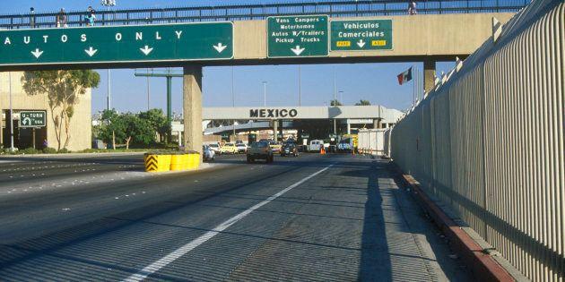 Un tunnel découvert sous la frontière entre le Mexique et les