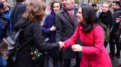 Premier bain de foule en tant que mairesse pour Valérie