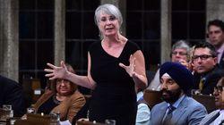 Ottawa s'attaque au harcèlement sexuel en milieu de