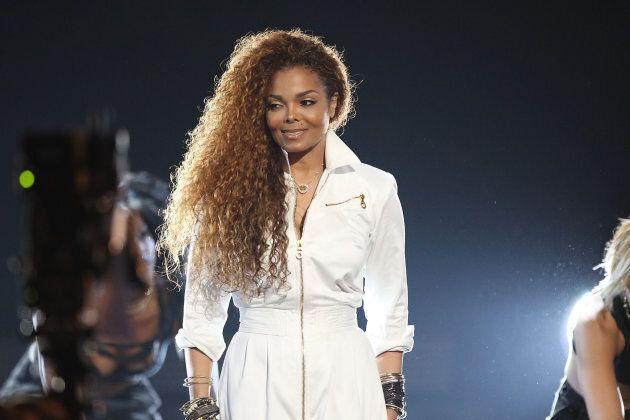 Le nez de Janet Jackson...