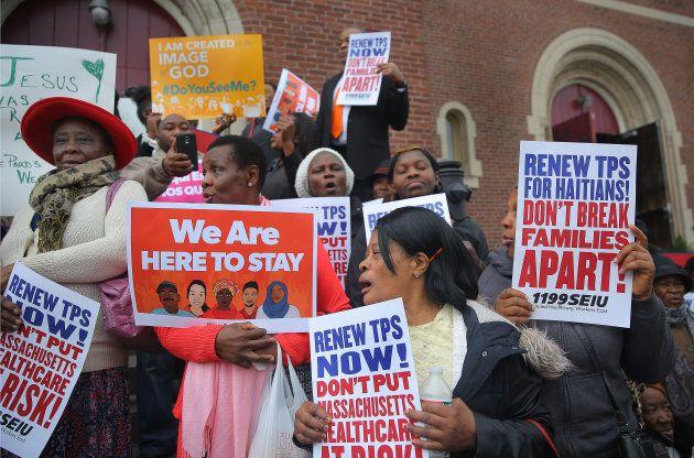 Une manifestation demandant le prolongement du programme de statut temporaire à Boston, 5 novembre