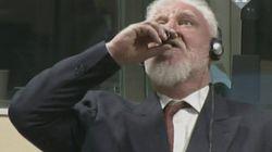 Il se donne la mort en buvant du poison pendant son procès au Tribunal pénal