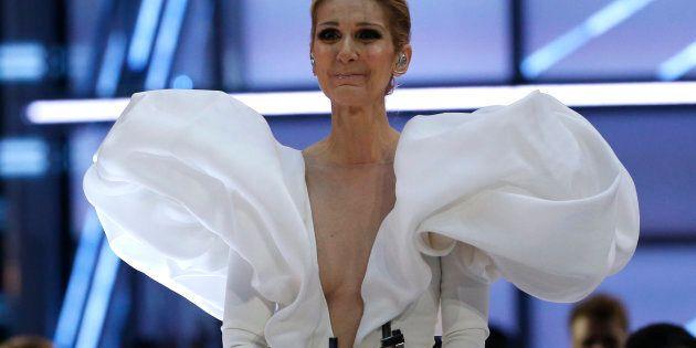 Céline Dion, émotive après avoir chanté «My heart will go on» aux Billboard Music Awards, en mai