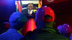 Robert Mugabe refuse de s'en aller et pourrait être
