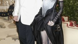 Elon Musk s'affiche en couple avec Grimes au Met Gala