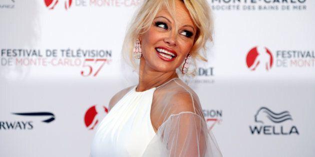 Pamela Anderson donne des conseils aux femmes par rapport aux agressions