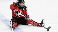 L'équipe canadienne de hockey féminin bat les États-Unis