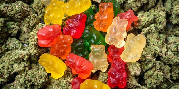 La vente de produits comestibles à base de cannabis comme les bonbons et les pâtisseries demeurent pour...