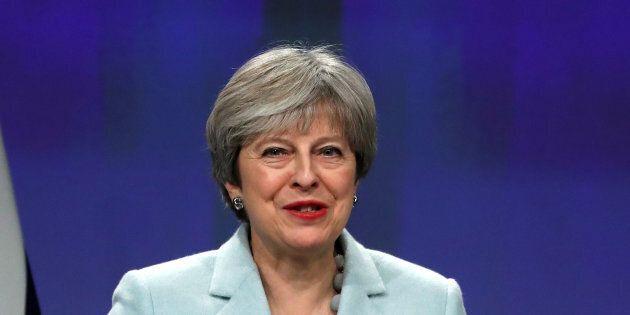 Brexit: Theresa May évoque « un nouveau sentiment d'optimisme
