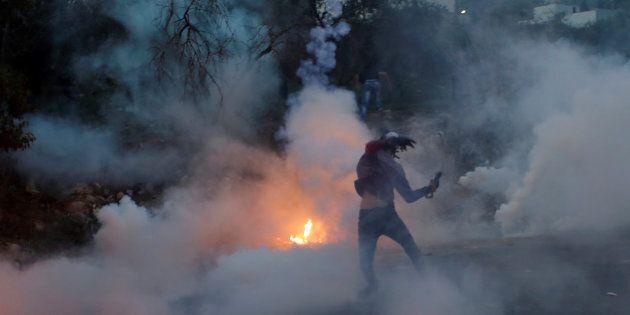 L'armée israélienne affirme que des milliers de Palestiniens ont participé à des «émeutes violentes»...
