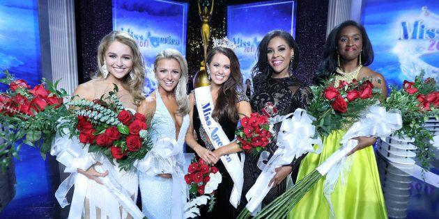 Des dizaines de Miss America réclament la démission de