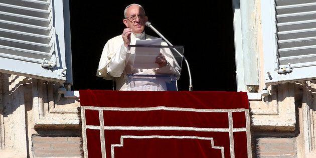 Noël: le pape plaide pour l'hospitalité des