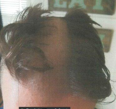 Cette coupe de cheveux était si laide que le coiffeur a été