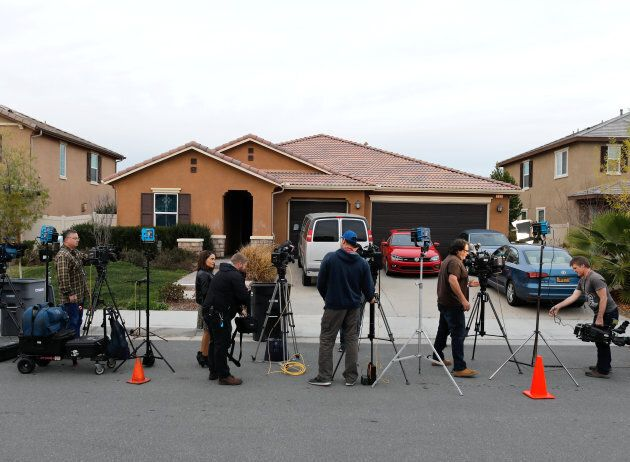 Les médias devant la maison du