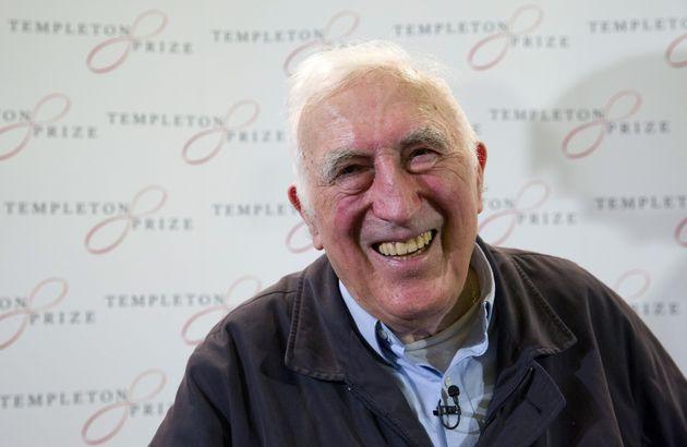 Jean Vanier en 2015, lorsqu'il s'était vu décerner le prix Templeton, qui récompense...