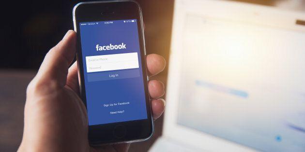 Facebook réforme le fil d'actualité: priorité à la famille et aux