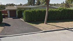 Un propriétaire enlève sa pancarte «maison à vendre» après avoir reçu des menaces de