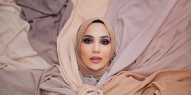 Un mannequin voilé renonce à une campagne de L'Oréal après des propos