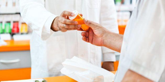 Un pharmacien dépendant aux opioïdes a été radié pour un an et