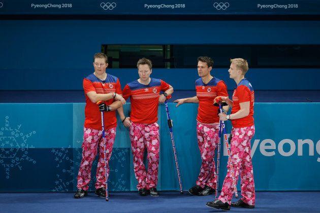 L'équipe de curling de la Norvège avait sorti le grand jeu pour la Saint-Valentin aux Jeux