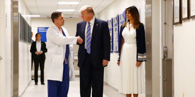 Trump à l'hôpital pour rencontrer des blessés de la
