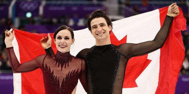 Tessa Virtue et Scott Moir décrochent l'or en danse sur glace aux Jeux olympiques de