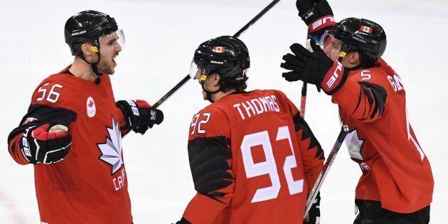 Le Québécois Maxim Noreau (à gauche) a marqué l'unique but du
