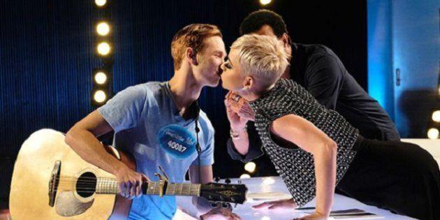 Katy Perry accorde son premier baiser à un jeune candidat d'«American