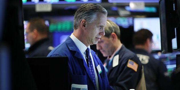 Wall Street trébuche à la fin d'un mois