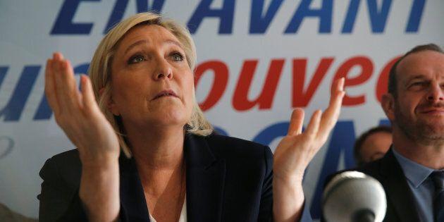 Marine Le Pen mise en examen pour avoir relayé des photos d'exactions du groupe État