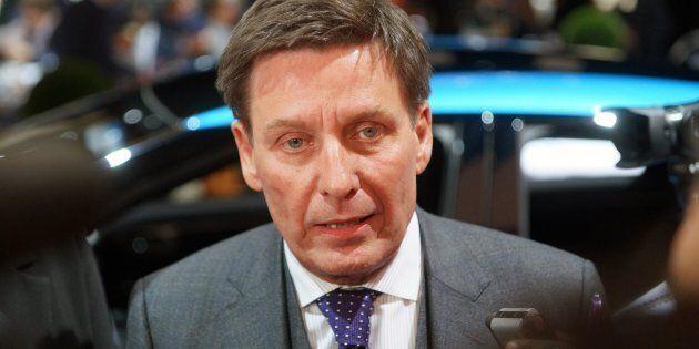 Le ministre de l'Énergie et des Ressources naturelles dit que le PDG d'Hydro-Québec est peu payé par...