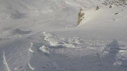 Ce planchiste se filmait lorsqu'une avalanche l'a