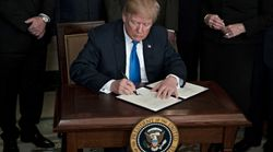 Trump signe finalement la loi