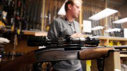 Le Canada veut resserrer l'accès aux armes à