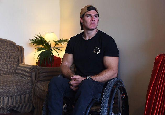 Le paraplégique Scott Doolan atteint un camp de base de