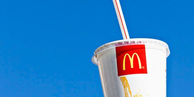 McDonald's va supprimer les pailles en plastique de ses restaurants en