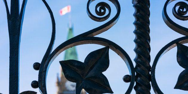 Inconduites sexuelles: des employés parlementaires divisés sur le projet de loi qui doit les