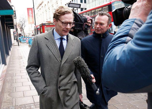 Alexander Nix, à son arrivée au bureau de Cambridge Analytica à Londres, mardi