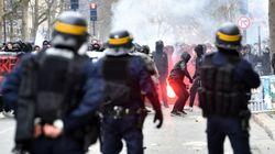 Affrontements entre la police et des manifestants à