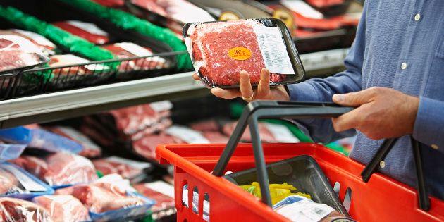 La contamination des aliments préoccupe les citoyens, mais qui est