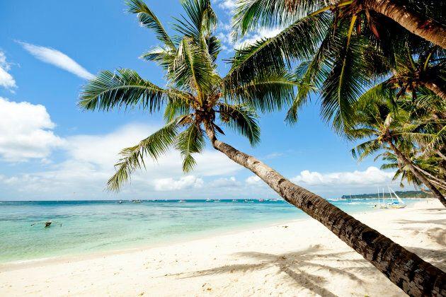 La célèbre plage de «White Beach», sur l'île de Boracay, aux