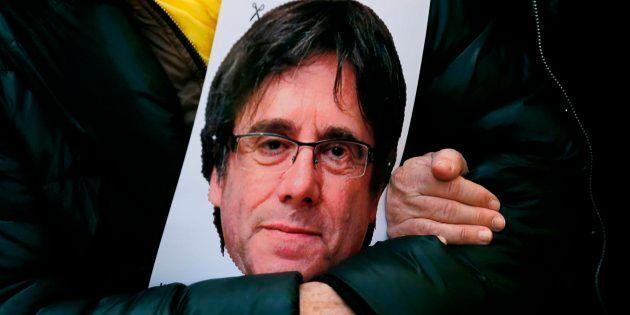Catalogne: Carles Puigdemont remis en liberté en Allemagne et l'extradition semble écartée pour le