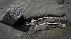 À Pompéi, des chercheurs trouvent un homme écrasé par un rocher en tentant de fuir