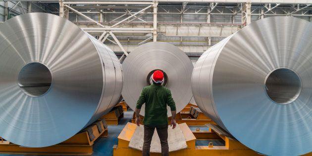 Les États-Unis imposent des taxes sur l'acier et l'aluminium du Canada, du Mexique et de l'Union
