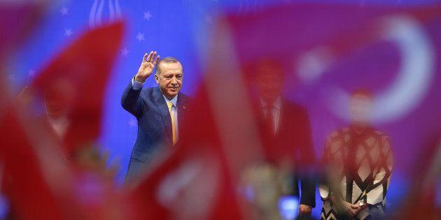 Le populisme d'Erdogan a fait appel à la fierté nationale voulant que «la Turquie occupe une place de puissance mondiale.»