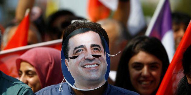 Turquie : le parti prokurde déclare son ex-chef emprisonné candidat à la